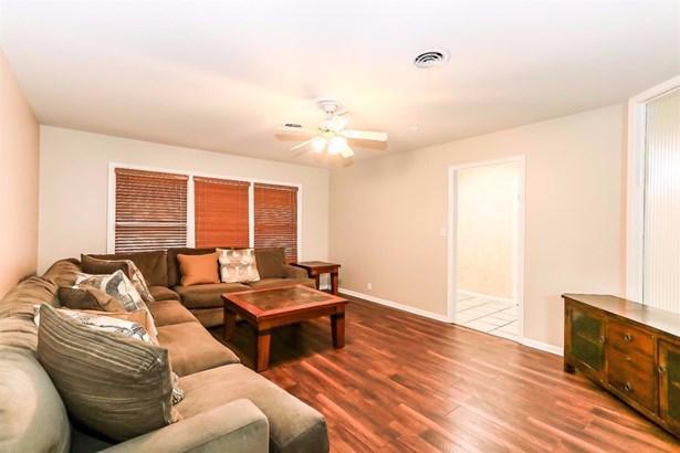 3207 40th Street, Lubbock, TX - USA (photo 5)