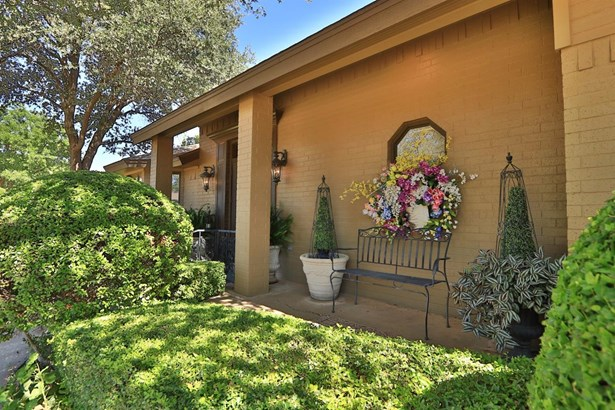 13 Brentwood Circle, Lubbock, TX - USA (photo 2)