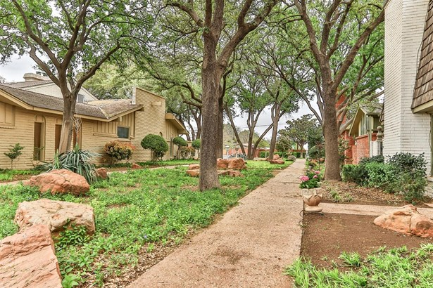 4610 Indiana Avenue, Lubbock, TX - USA (photo 3)