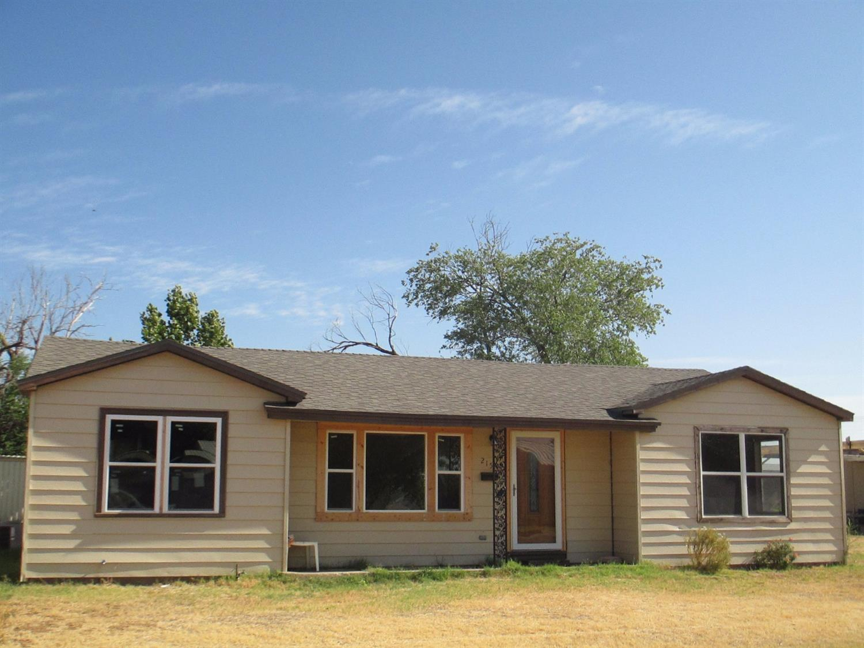215 Maple Street, Levelland, TX - USA (photo 1)