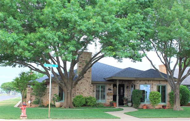 136 Aransas Avenue, Levelland, TX - USA (photo 1)