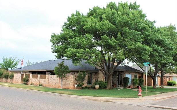 136 Aransas Avenue, Levelland, TX - USA (photo 2)
