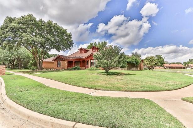 4802 Whisperwood Boulevard, Lubbock, TX - USA (photo 1)