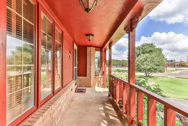 4802 Whisperwood Boulevard, Lubbock, TX - USA (photo 2)