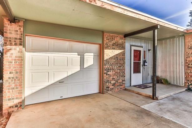 2318 48th Street, Lubbock, TX - USA (photo 2)