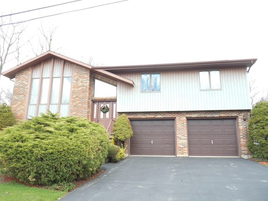Residential, Bi-Level - Hazle Twp, PA