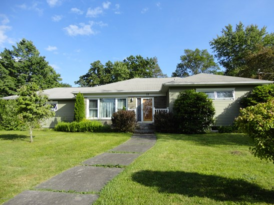 1 Story/Ranch, Residential - Mountain Top, PA