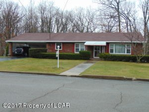 402 30th W St, Hazle Township, PA - USA (photo 1)