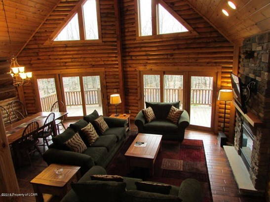 Chalet, Residential - Hazle Twp, PA (photo 4)