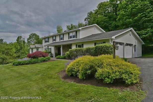 Colonial, Single Family - North Abington Twp, PA