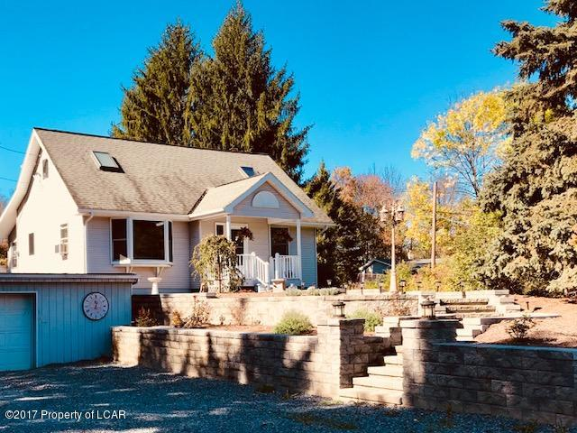 Cape Cod, Residential - West Pittston, PA (photo 1)