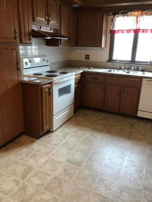 Split Level, Residential - Wyoming, PA (photo 2)