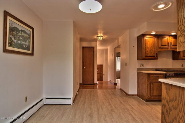 Split Level, Residential - Laflin, PA (photo 3)