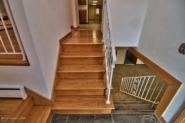 Split Level, Residential - Laflin, PA (photo 5)
