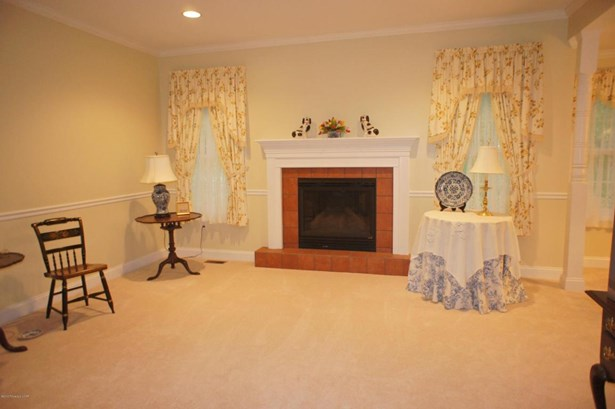1 Story/Ranch, Residential - Hazle Twp, PA (photo 2)