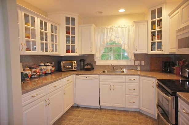 1 Story/Ranch, Residential - Hazle Twp, PA (photo 4)