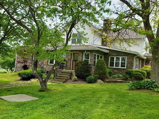 Farm House,Traditional, Single Family - Falls, PA