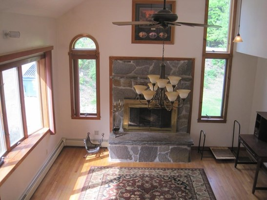 21 Laurel Mountain Road, Whately, MA - USA (photo 5)