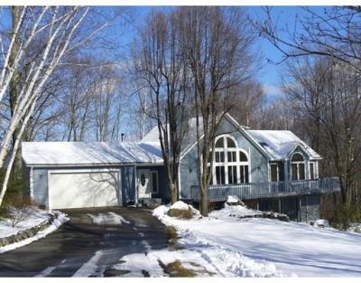 62 Oak Ridge Drive, Belchertown, MA - USA (photo 1)