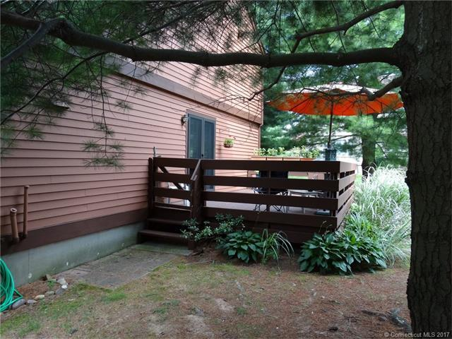 105 Colonial Hill Drive 105, Wallingford, CT - USA (photo 2)