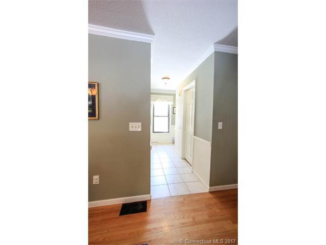 105 Colonial Hill Drive 105, Wallingford, CT - USA (photo 3)