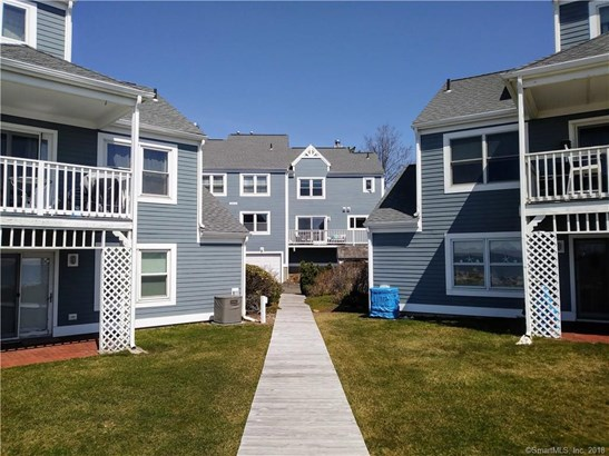 86 Cosey Beach Avenue 4, East Haven, CT - USA (photo 1)