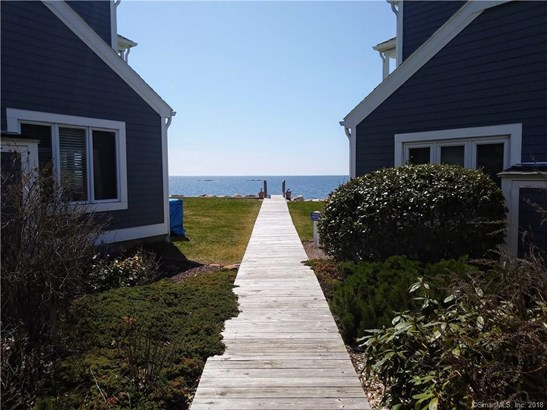 86 Cosey Beach Avenue 4, East Haven, CT - USA (photo 2)