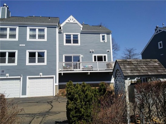 86 Cosey Beach Avenue 4, East Haven, CT - USA (photo 5)