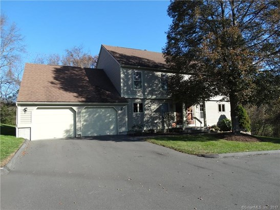 94 Colonial Hill Drive 94, Wallingford, CT - USA (photo 1)