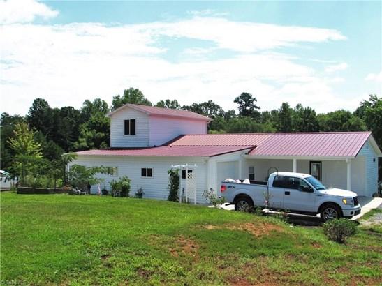 Farm House, Stick/Site Built - Danbury, NC (photo 1)