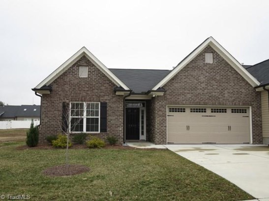 Townhouse - Clemmons, NC (photo 1)