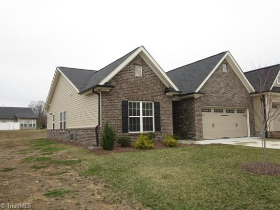 Townhouse - Clemmons, NC (photo 2)