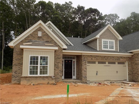 Transitional, Townhouse - Kernersville, NC (photo 1)