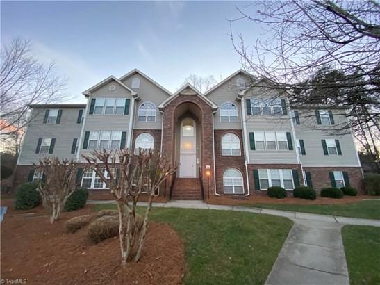 Condominium, Condo Upper - Winston Salem, NC