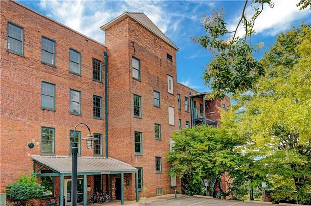 Condominium - Winston Salem, NC