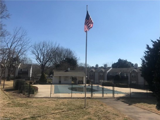 Condominium - Clemmons, NC (photo 3)