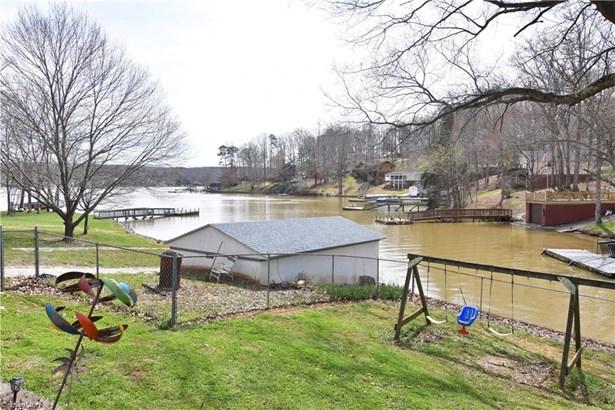 Split Level, Stick/Site Built - Lexington, NC (photo 3)