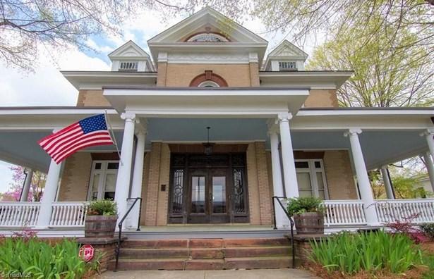 Colonial, Stick/Site Built - Winston Salem, NC