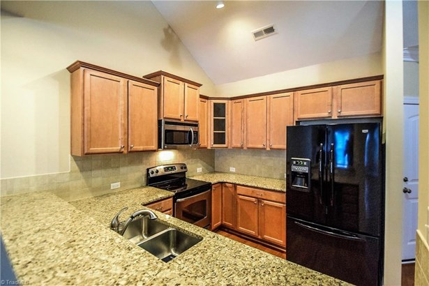 Townhouse, French Provincial - Clemmons, NC (photo 5)