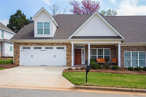 Transitional, Townhouse - Clemmons, NC (photo 1)