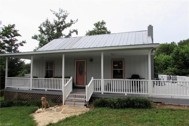 Farm House, Stick/Site Built - Sandy Ridge, NC (photo 1)