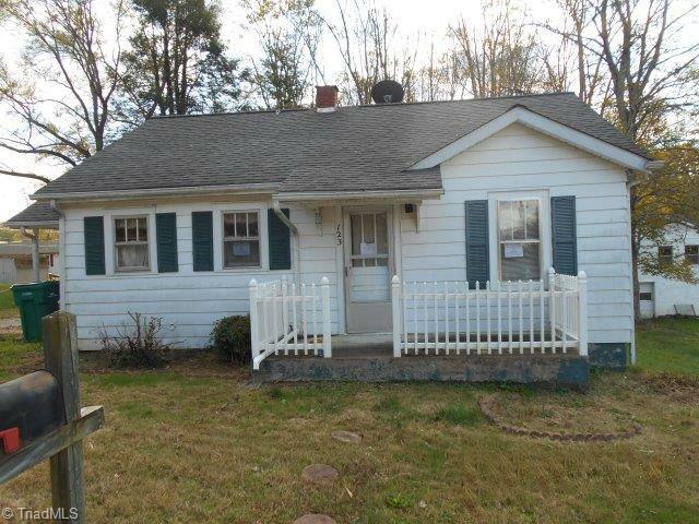Cottage, Stick/Site Built - Jonesville, NC (photo 1)