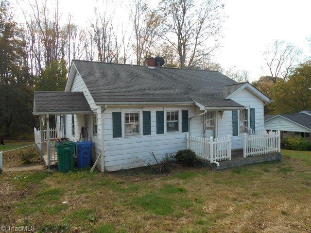Cottage, Stick/Site Built - Jonesville, NC (photo 2)