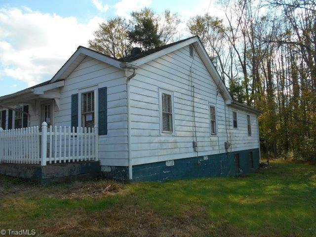 Cottage, Stick/Site Built - Jonesville, NC (photo 3)