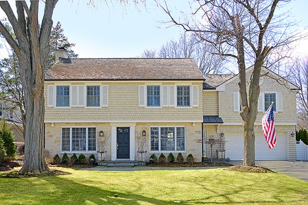 Colonial, 2 Stories - GLENVIEW, IL (photo 1)