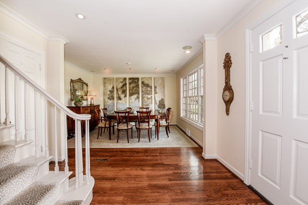 Colonial, 2 Stories - GLENVIEW, IL (photo 5)