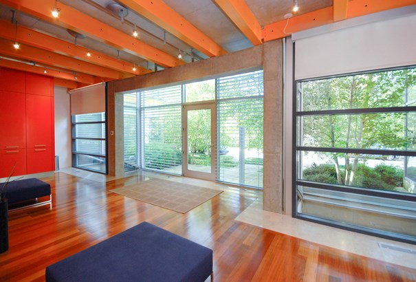 2 Stories, Contemporary - NORTHFIELD, IL (photo 4)
