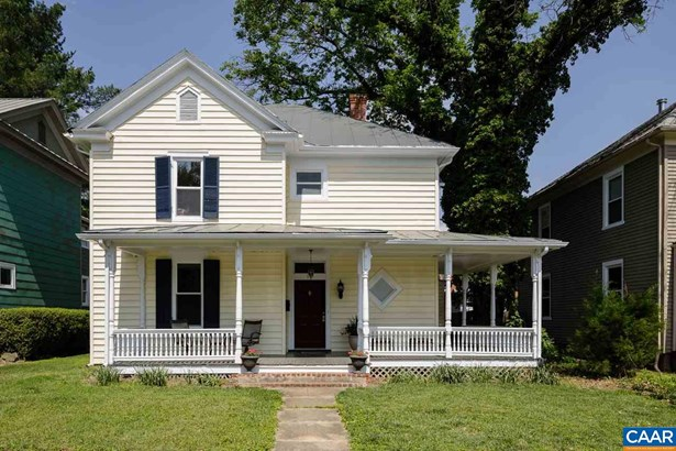 Farm House,Victorian, Detached - WAYNESBORO, VA (photo 1)