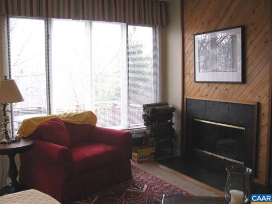 Attached, Contemporary - WINTERGREEN RESORT, VA (photo 3)