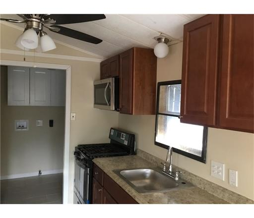 Co-Op/Mobile Home, Double-Width Mobile - 1328 - Manalapan, NJ (photo 4)